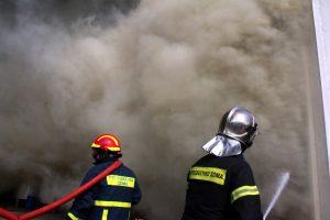 Φωτιά κοντά σε νηπιαγωγείο στα Χανιά