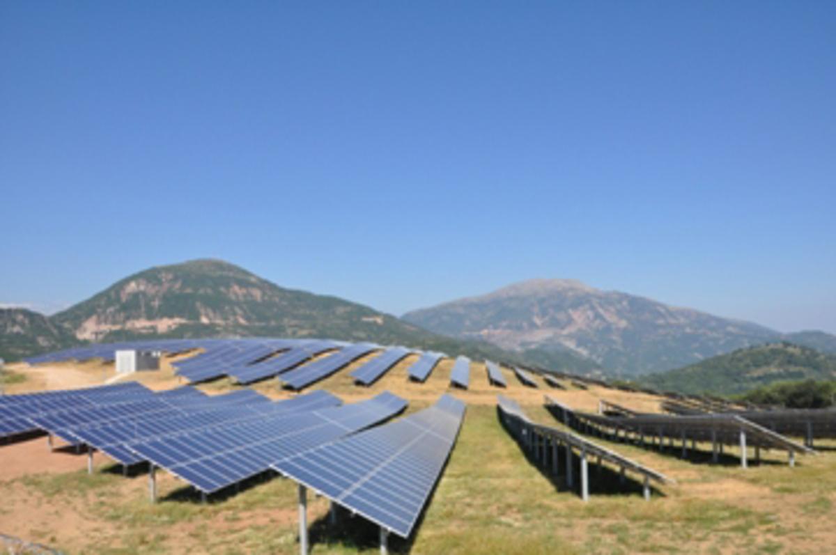 Τινάζουν στον αέρα τα φωτοβολταϊκά μειώνουν 5% ως 22% τα έσοδα | Newsit.gr