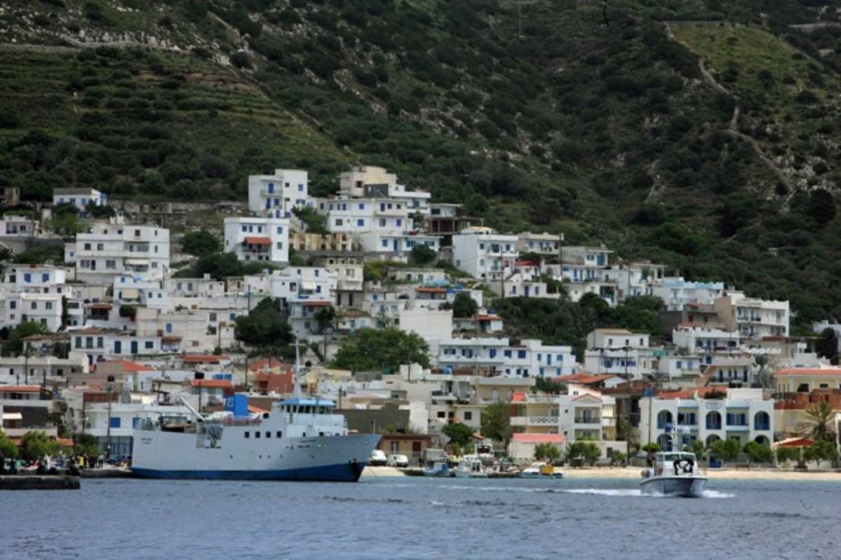 Επιτέλους πλοίο για τους Φούρνους | Newsit.gr