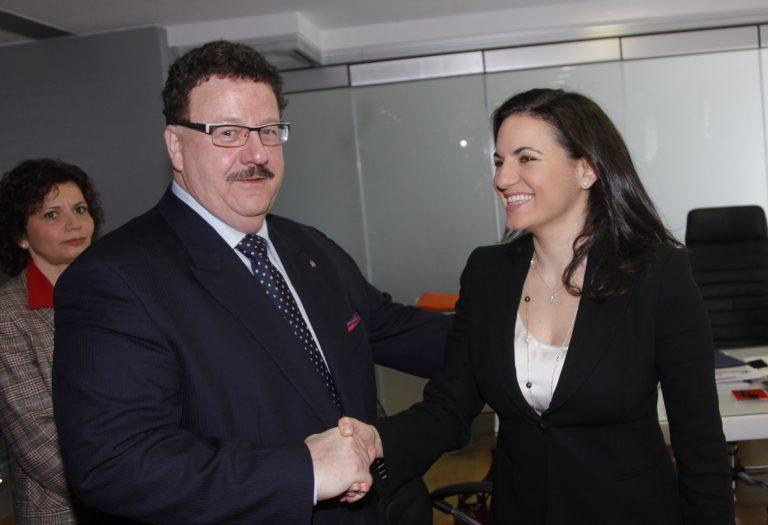Ρεχάγκελ και Φούχτελ στην Κεφαλογιάννη: «Οι Γερμανοί να έρθουν Ελλάδα για τουρισμό»   Newsit.gr