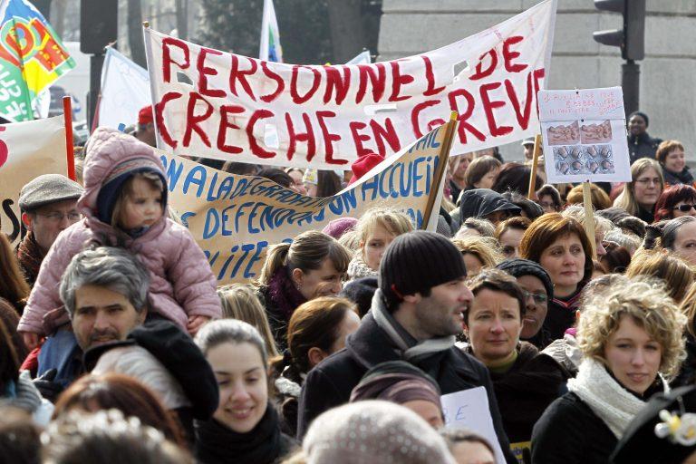 Παραλύει η Γαλλία – Λουκέτο σε δημόσιο και ιδιωτικό τομέα | Newsit.gr