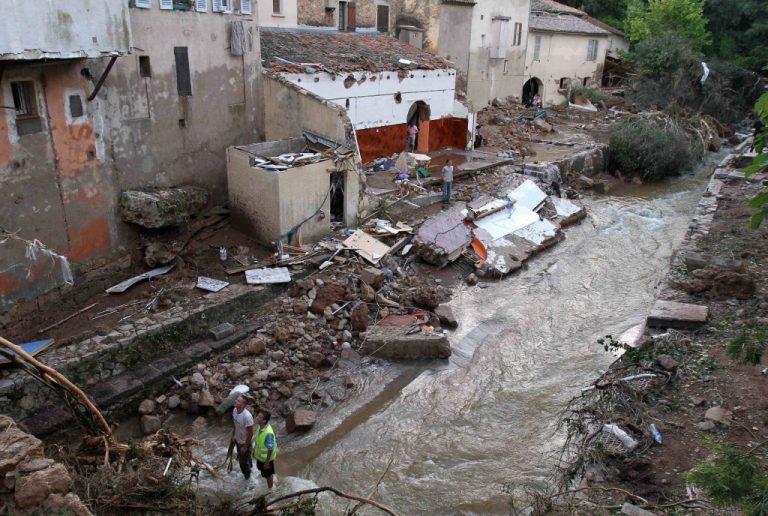 22 νεκροί από τις καταστροφικές πλημμύρες στην Γαλλία   Newsit.gr