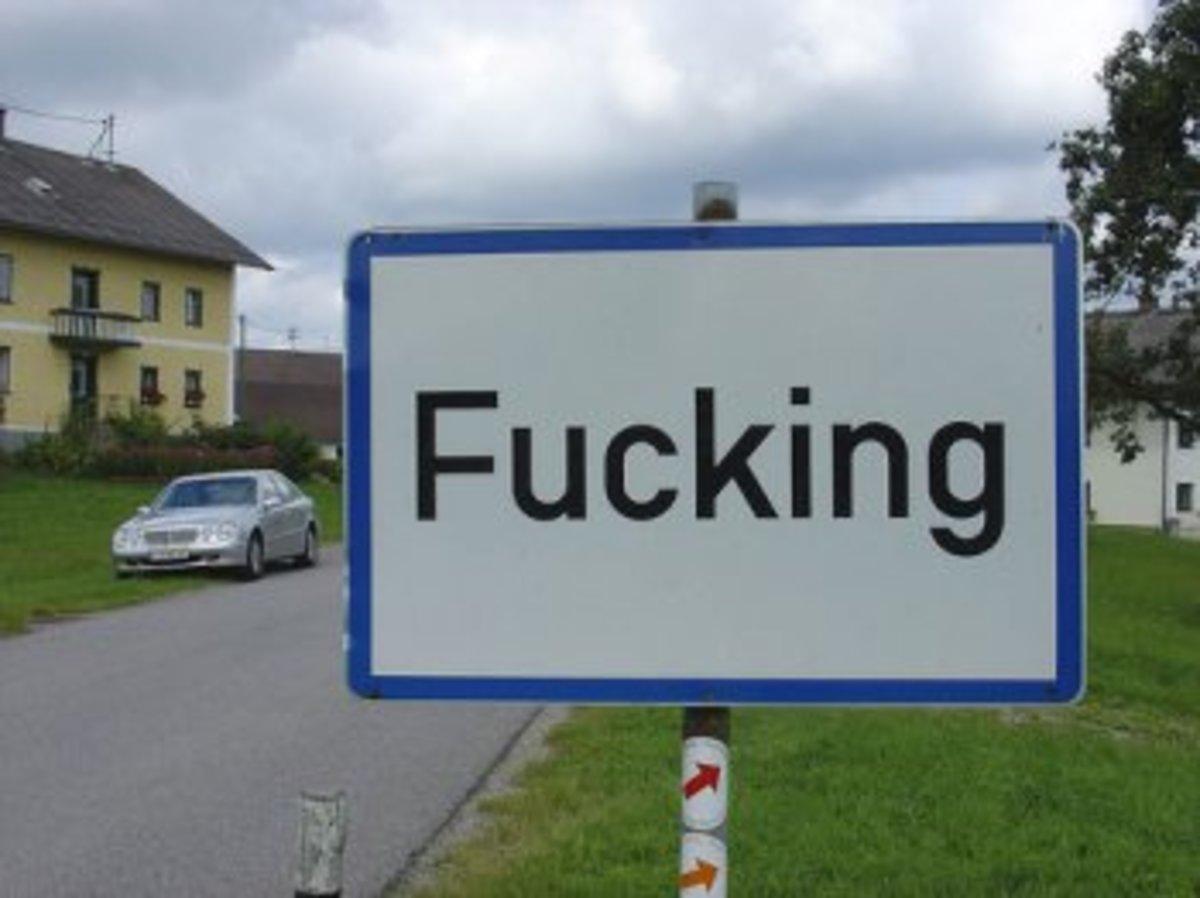Τουριστικός χαμός για την αυστριακή πόλη Fucking | Newsit.gr
