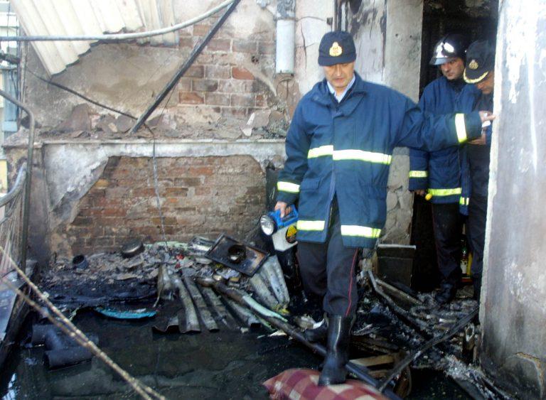Ένας νεκρός σε πυρκαγιά στο Γέρακα   Newsit.gr