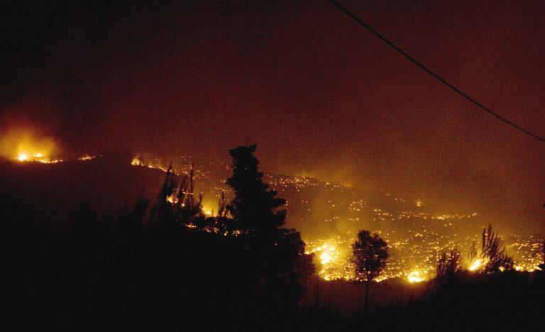 Μεσολόγγι: Σε εξέλιξη η φωτιά στην Αγριλιά | Newsit.gr