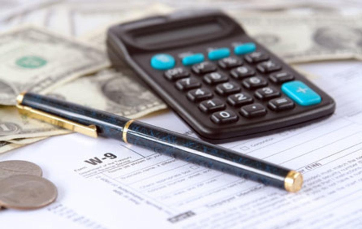 Όλοι οι φόροι του 2013 – Χάνεται πάνω από ένας μισθός για εισόδημα 25.000 ευρώ | Newsit.gr