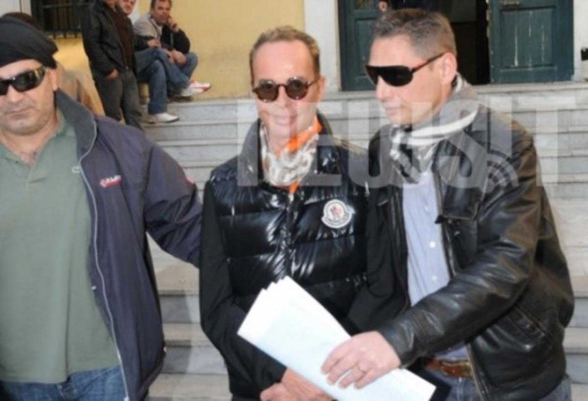 Το κλάμα του Λάκη Γαβαλά στο κρατητήριο | Newsit.gr