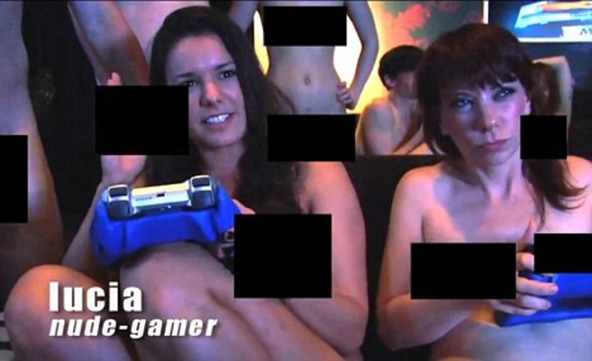 Παίζουν γυμνοί video games – Φωτο και video | Newsit.gr