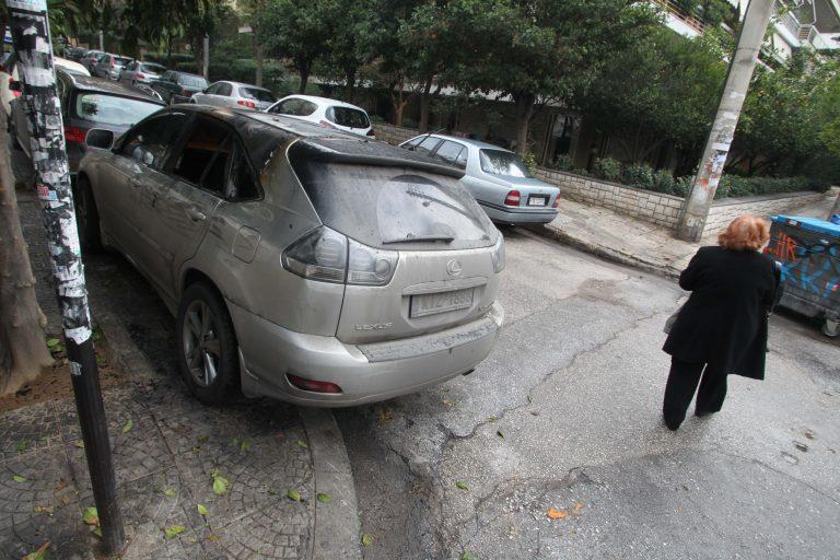 Έβαλαν γκαζάκια έξω από το σπίτι του Γιάννου Παπαντωνίου | Newsit.gr