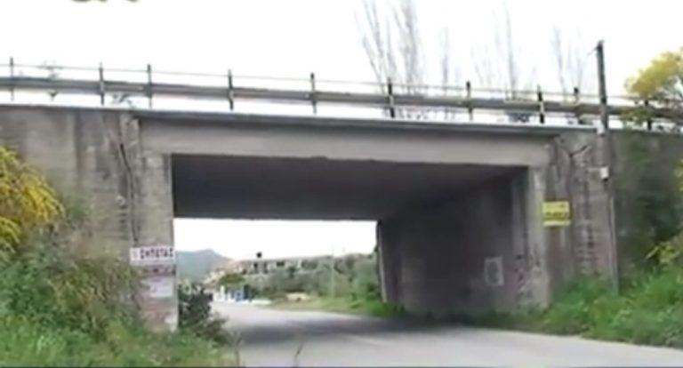 Ηλεία:Αγωνία για τη γυναίκα που πήδηξε από γέφυρα -Δείτε βίντεο! | Newsit.gr