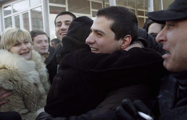 Γεωργία: Ελεύθεροι αφέθηκαν 190 «πολιτικοί κρατούμενοι» | Newsit.gr