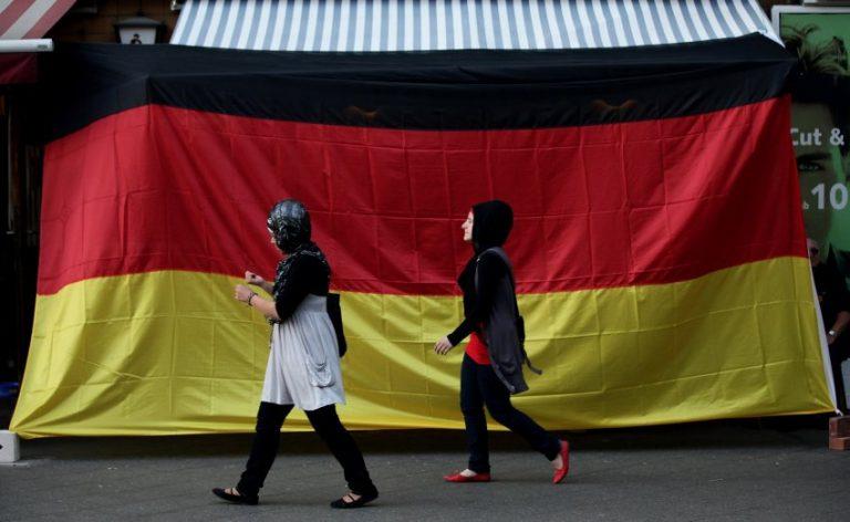 Η σημασία των μεταναστών στη γερμανική κοινωνία είναι τεράστια | Newsit.gr