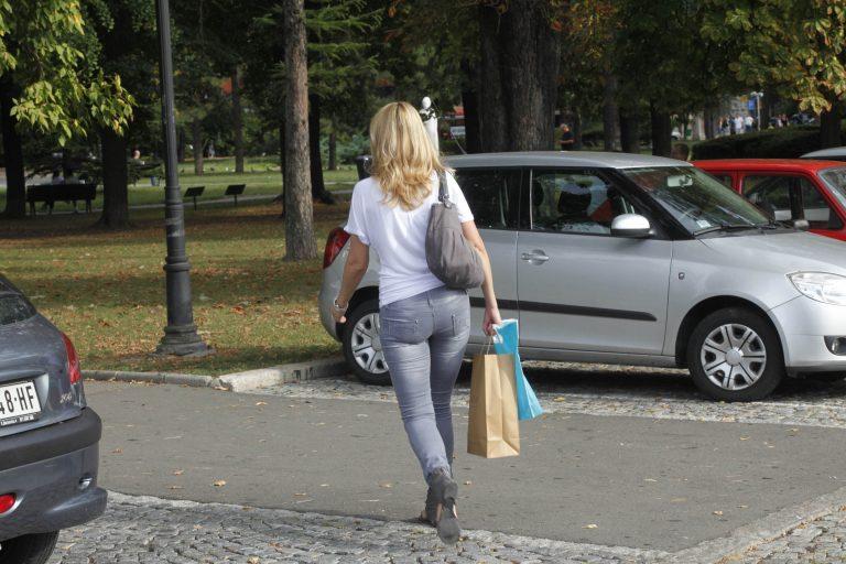 Ηράκλειο:Δεν έβγαινε το χέρι του από το παντελόνι της,με τίποτα!   Newsit.gr