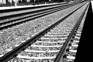 Φρικτός θάνατος στα Σεπόλια: Γυναίκα παρασύρθηκε από τρένο