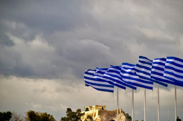 Γερμανός συγγραφέας το «φωνάζει: «Η Ελλάδα ποτέ δεν πεθαίνει» | Newsit.gr