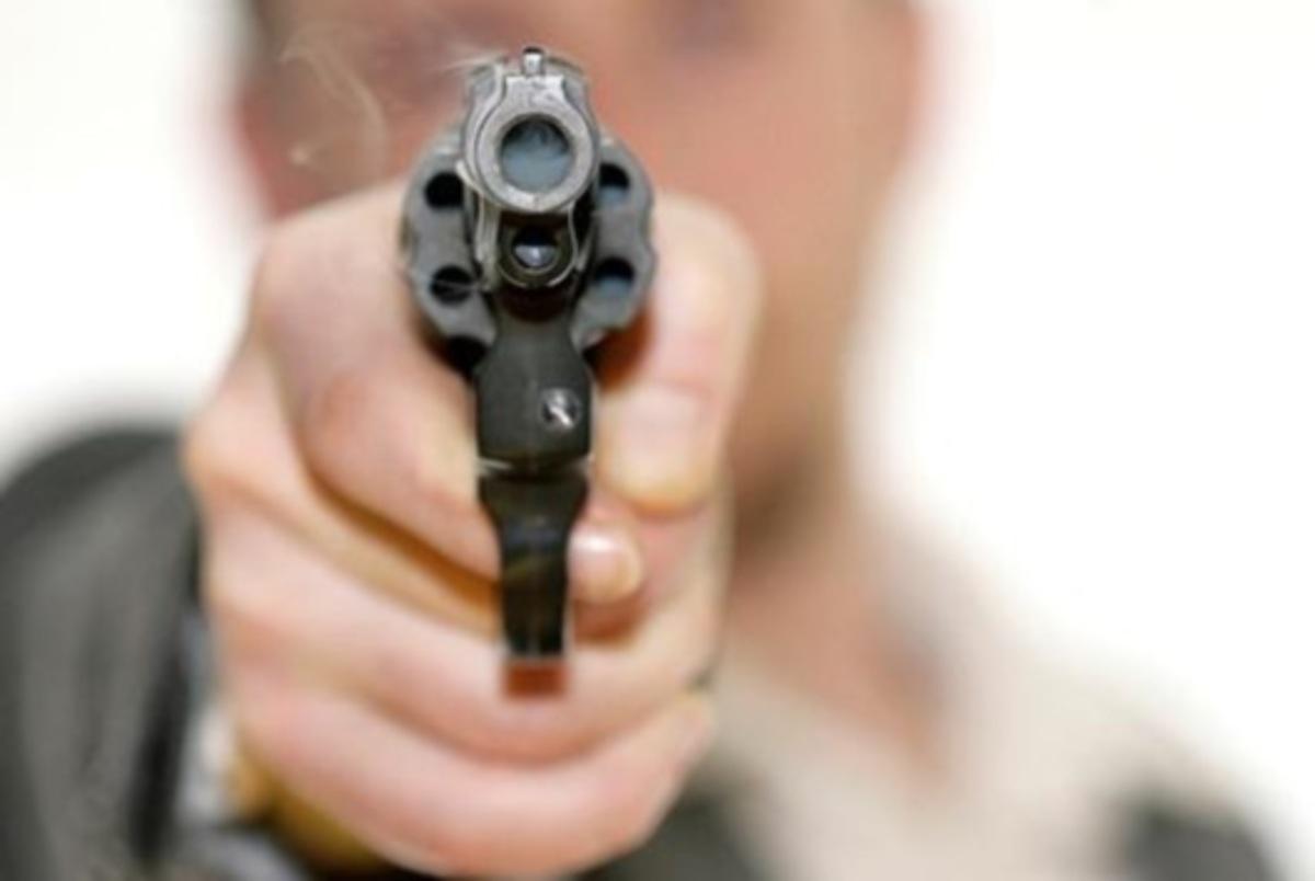 Σκότωσε τη γυναίκα του, το μωρό και αυτοκτόνησε | Newsit.gr