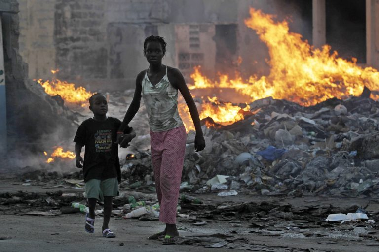 Στους 230.000 οι νεκροί στην Αϊτή | Newsit.gr