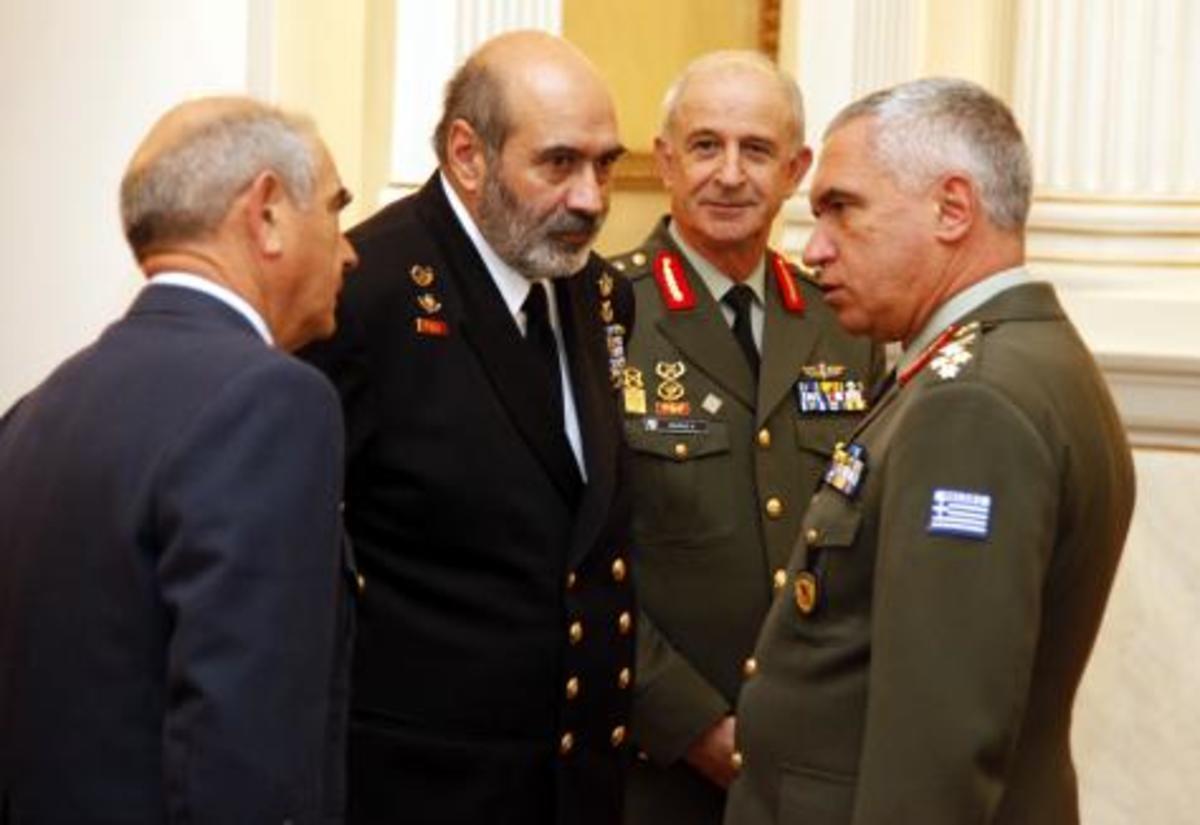 Κρίσεις Αρχηγών: «Μένουν μέχρι να φύγουν» και οι τεράστιες ευθύνες Μπεγλίτη | Newsit.gr