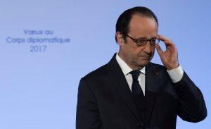 Ολάντ: Όλες οι πλευρές, πλην εξτρεμιστών στις διαπραγματεύσεις για τη Συρία