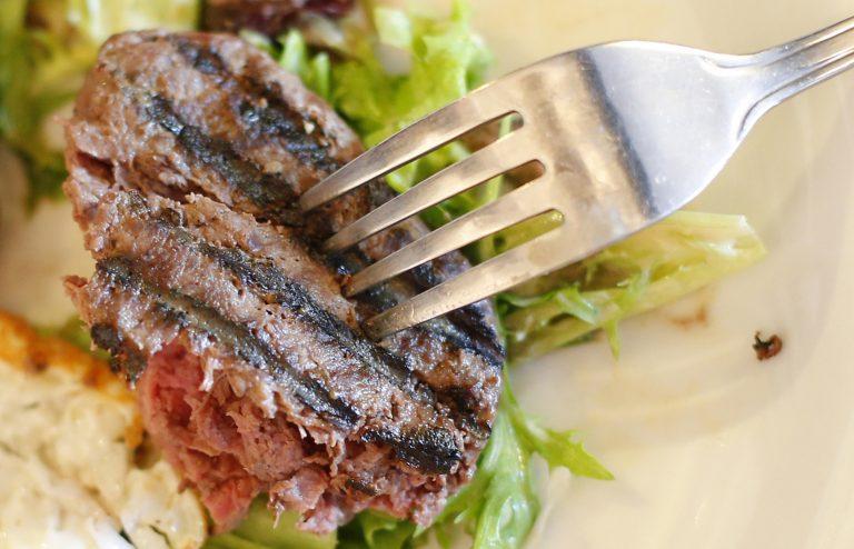 Βρέθηκε κρέας αλόγου σε σχολεία και νοσοκομεία | Newsit.gr