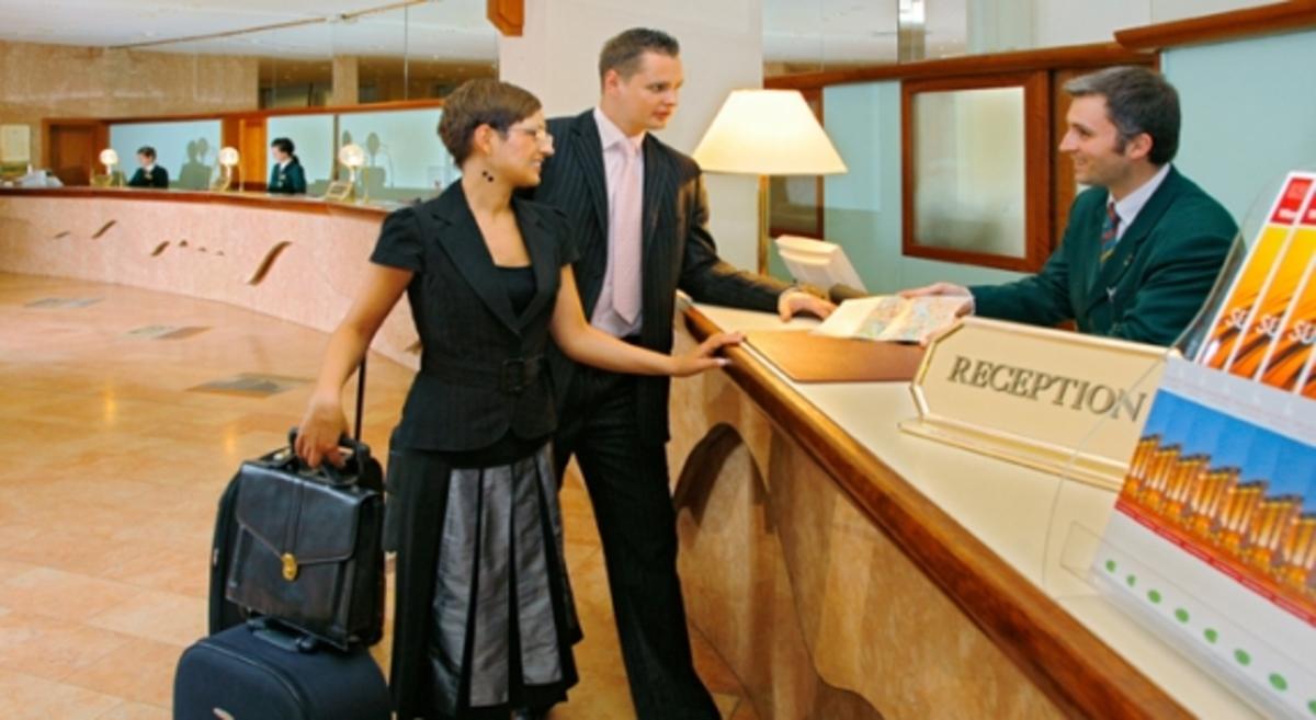 Πρόγραμμα του ΟΑΕΔ για διατήρηση θέσεων εργασίας σε ξενοδοχεία | Newsit.gr