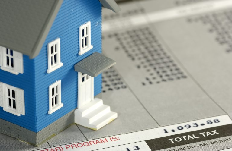 Μικραίνουν την ιδιοκτησία – Θα πληρώνουμε ενοίκιο στο ίδιο μας το σπίτι – Φόρο ιδιοκατοίκησης και αύξηση των έμμεσων φόρων θέλει η Κομισιόν | Newsit.gr