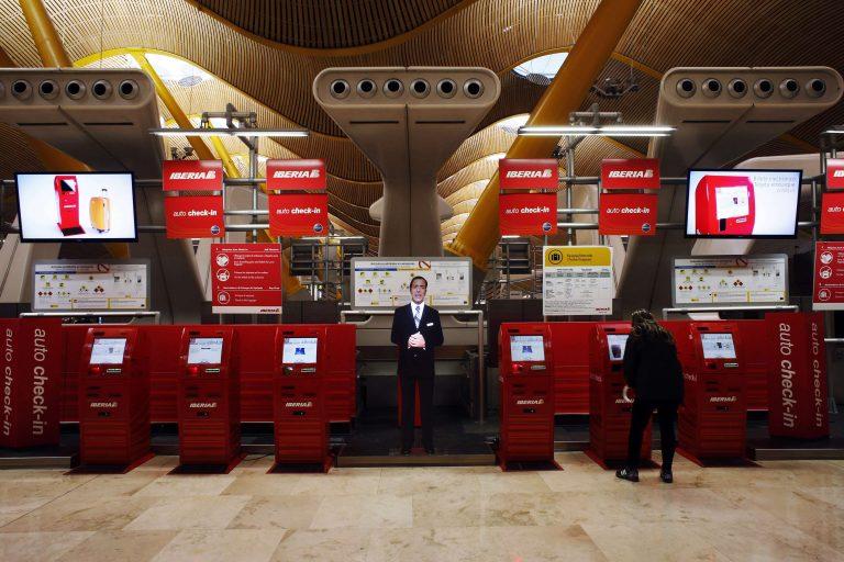 Η απεργία στην Iberia έχει παραλύσει τα αεροδρόμια της Ισπανίας | Newsit.gr