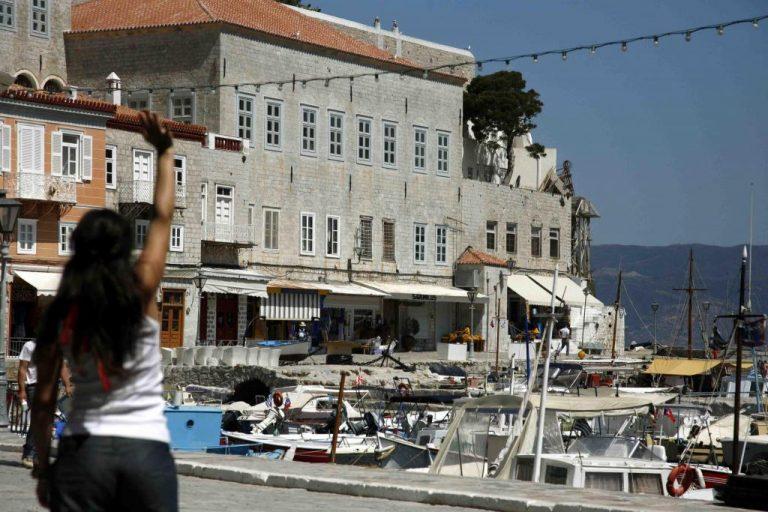 Καίγεται και η Ύδρα – Πάνε πυροσβέστες από τον Πειραιά – Φωτιά και στην Κυλλήνη | Newsit.gr