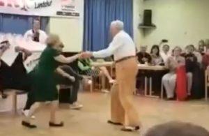 Δεν υπάρχει ηλικία για τον χορό! Ζευγάρι ηλικιωμένων αφήνει τους πάντες έκπληκτους [vid]