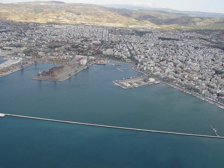 Αγρότες απειλούν να κλείσουν το λιμάνι του Βόλου | Newsit.gr