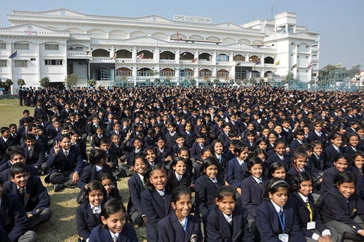 45.000 μαθητές σε ένα μόνο σχολείο! | Newsit.gr