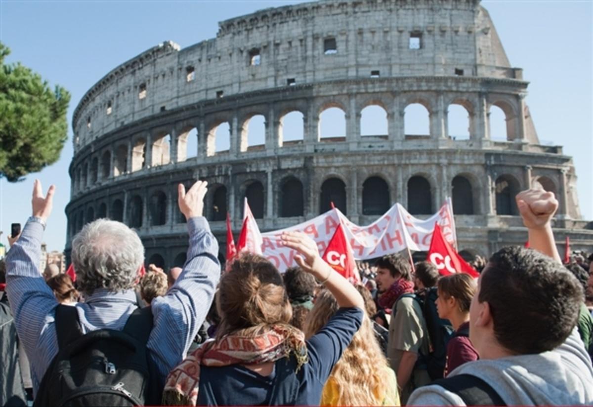 Σάλος στην Ιταλία για την αγορά 400 υπηρεσιακών αυτοκινήτων | Newsit.gr