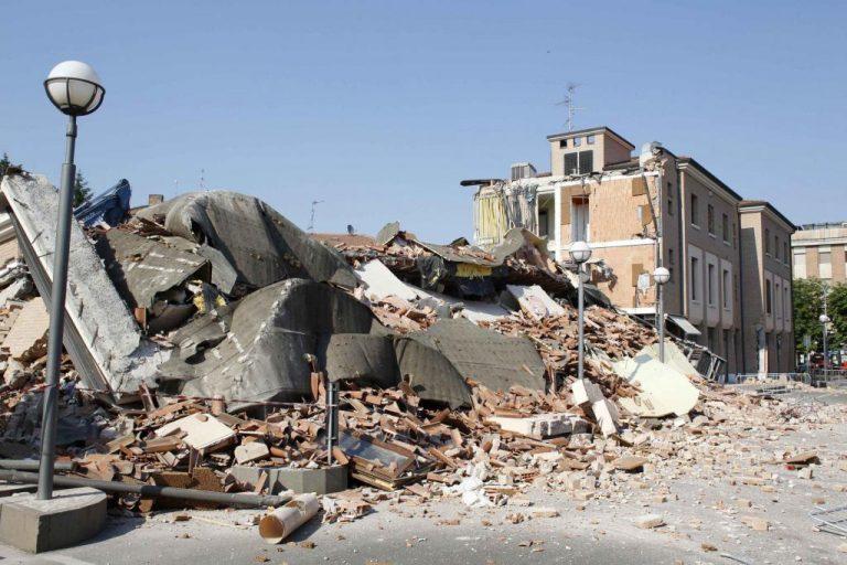 Επιχειρήσεις βάζουν τους εργαζόμενους να υπογράψουν έγγραφα που αναλαμβάνουν την ευθύνη σε περίπτωση σεισμού! | Newsit.gr