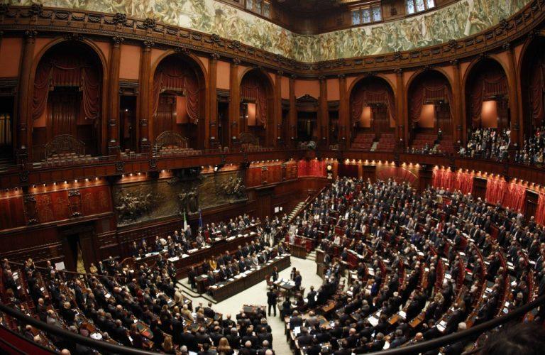 Κρίσιμη ψηφοφορία σήμερα στην Ιταλία   Newsit.gr