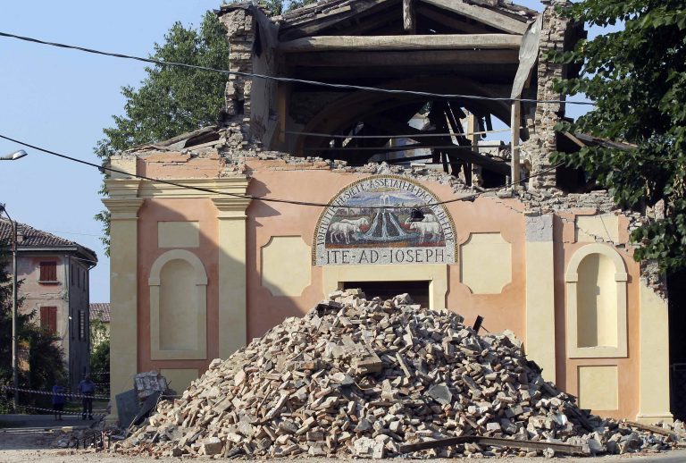 Ημέρα εθνικού πένθους και τρόμος από τον νέο σεισμό στην Ιταλία | Newsit.gr