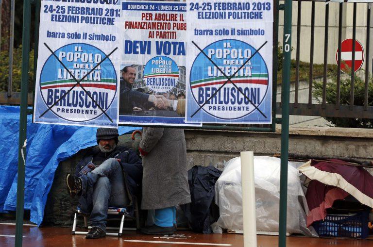 """Στις κάλπες 47 εκ. Ιταλοί – """"Έσπασε"""" την προεκλογική σιωπή ο Μπερλουσκόνι   Newsit.gr"""