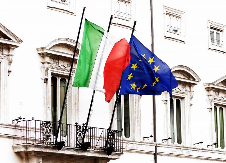 «Δε τέθηκε ποτέ ζήτημα προσφυγής της Ιταλίας στο μηχανισμό διάσωσης» | Newsit.gr