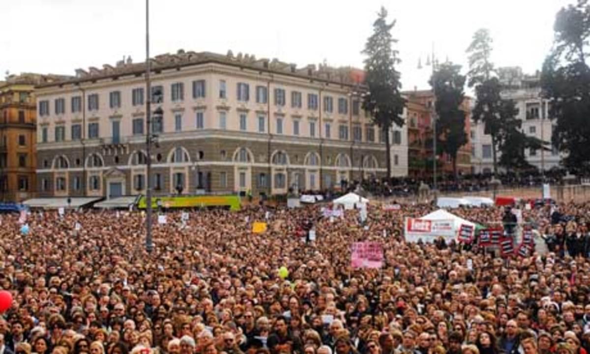 Στους δρόμους οι Ιταλοί κατά του Μόντι | Newsit.gr