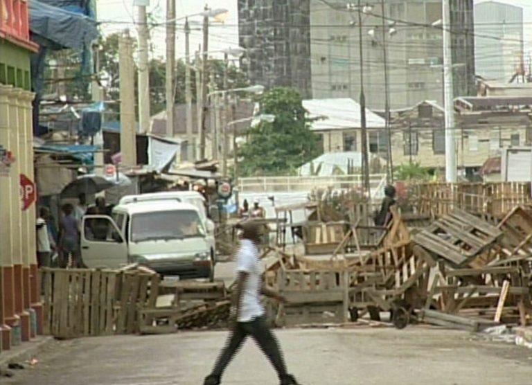 Μάχες στους δρόμους της Τζαμάικα, δυο αστυνομικοί νεκροί | Newsit.gr