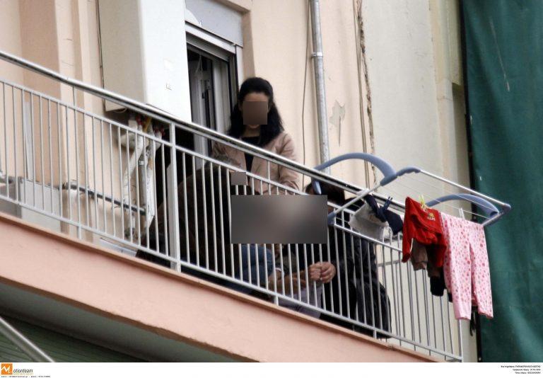 Αλεξανδρούπολη:Τίναζε το χαλί και έπεσε από το μπαλκόνι – Βίντεο!   Newsit.gr