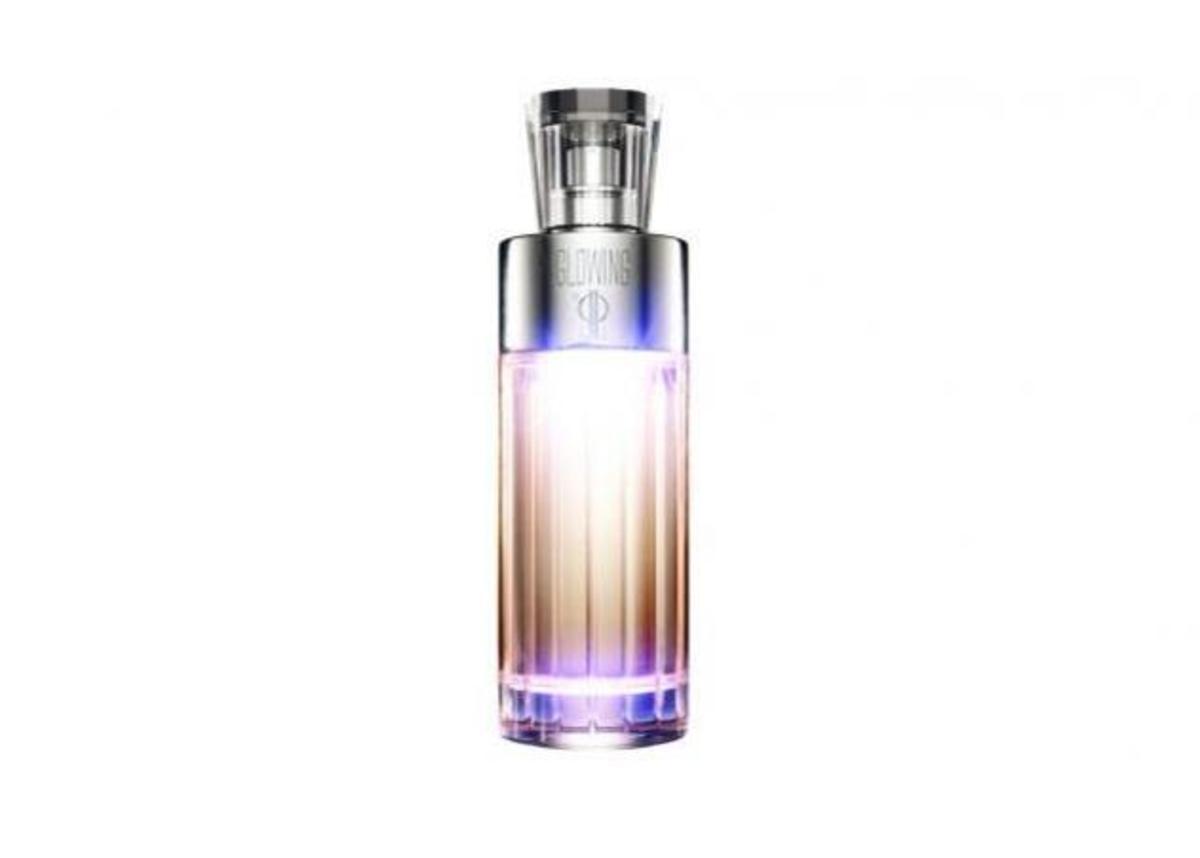 Αυτό το άρωμα είναι μοναδικό! Γιατί; Το μπουκάλι του… ανάβει φως!   Newsit.gr