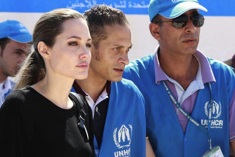 Η Αντζελίνα Τζόλι επισκέφθηκε Σύριους πρόσφυγες – ΒΙΝΤΕΟ   Newsit.gr