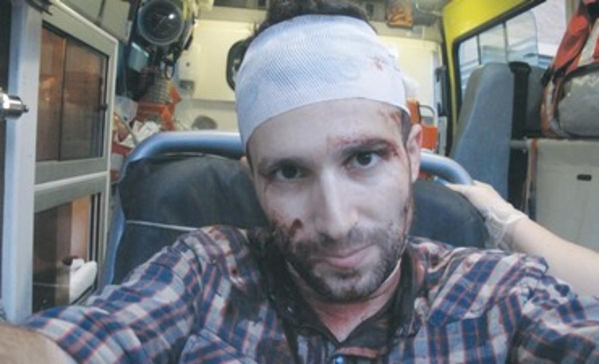 Έκανε ρεπορτάζ για την Χρυσή Αυγή και τον σάπισαν στο ξύλο! | Newsit.gr