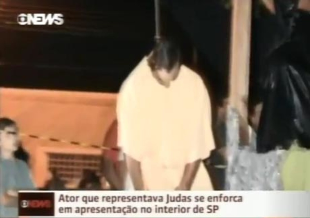 Απίστευτο! Ηθοποιός υποδυόταν τον Ιούδα και κρεμάστηκε κατά λάθος – VIDEO | Newsit.gr