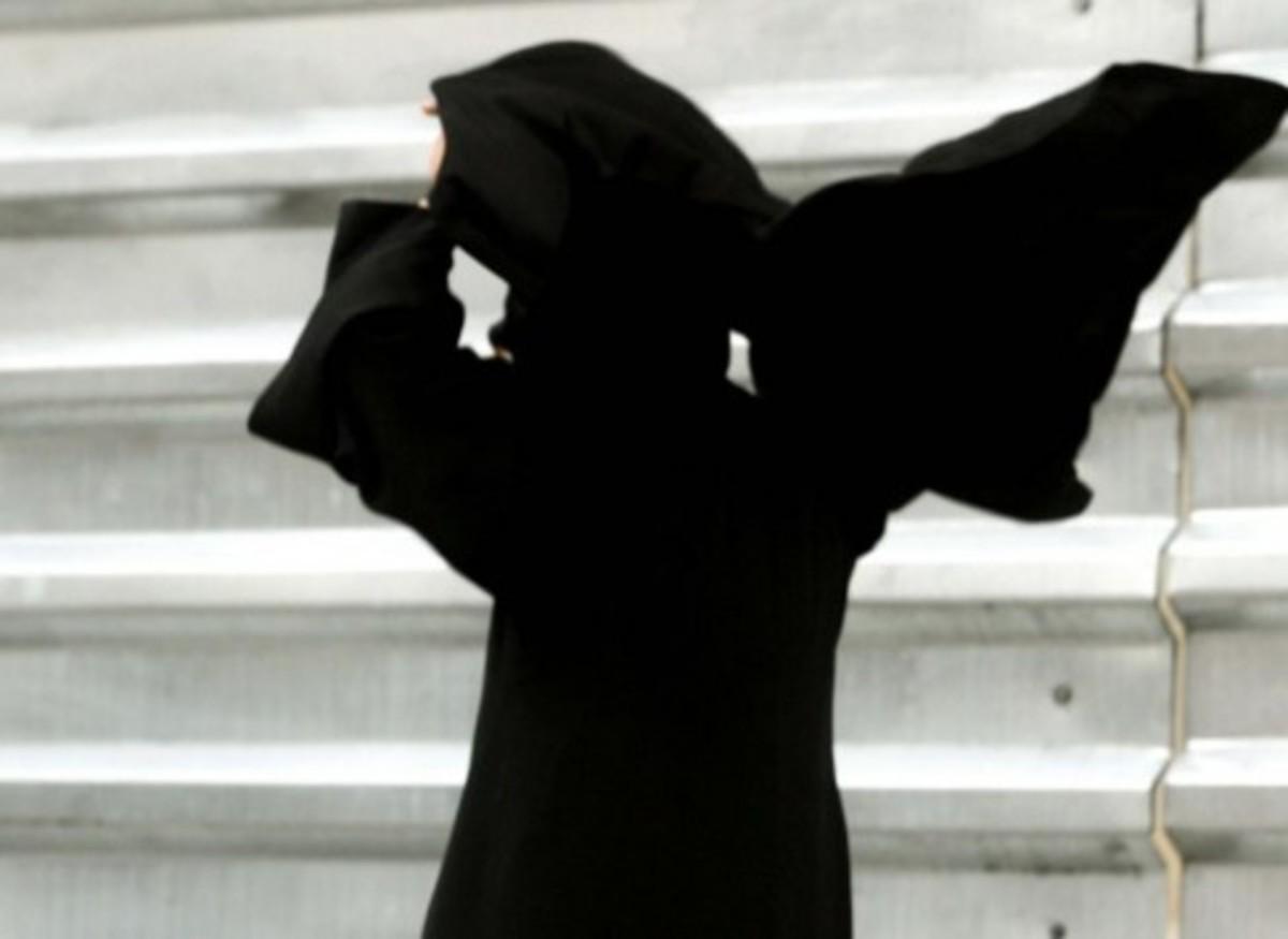 Θεσσαλονίκη: Οι… θεούσες με τους »μεγάλους σταυρούς», έσταζαν δηλητήριο! | Newsit.gr