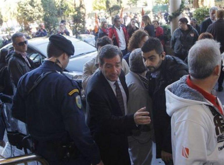 Πόλεμος Κυβέρνησης ΣΥΡΙΖΑ για την επίθεση κουκουλοφόρων στον Καμίνη – Διαβάστε τους πρωτοφανείς χαρακτηρισμούς   Newsit.gr