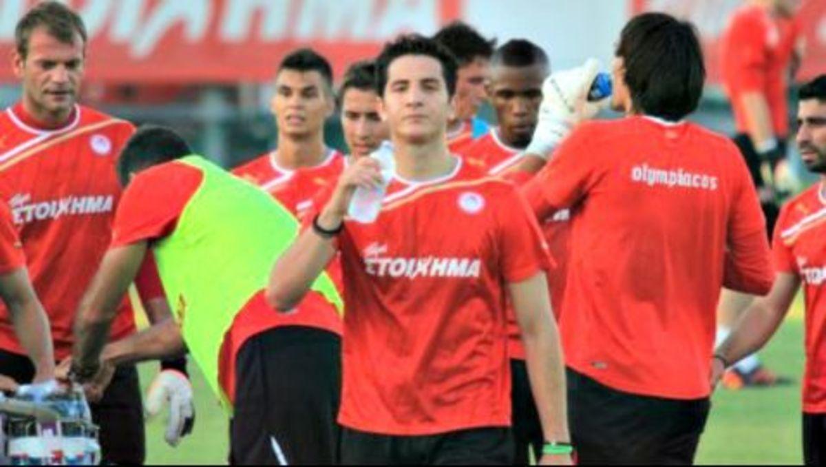 Νέο επεισόδιο στον Ολυμπιακό ανάμεσα σε Μανωλά-Κάρολ! | Newsit.gr