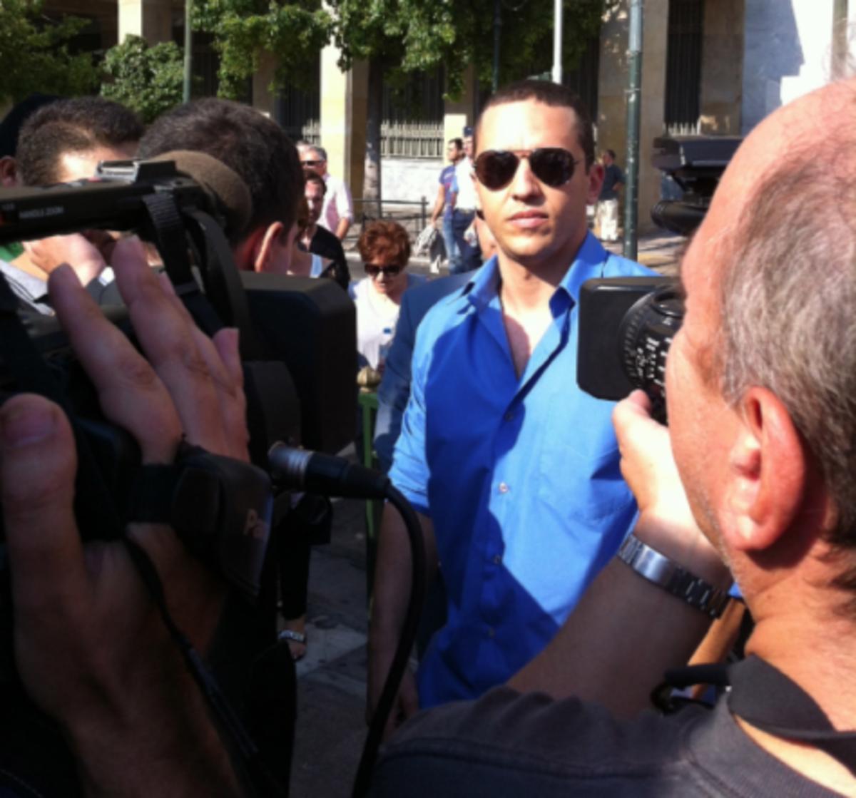 Η αγένεια Κασιδιάρη στην συγκέντρωση των στρατιωτικών! | Newsit.gr
