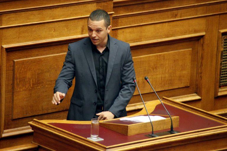 Κασιδιάρης: «Ο Βενιζέλος έχει προκαλέσει εμετό σε όλη την κοινωνία» | Newsit.gr