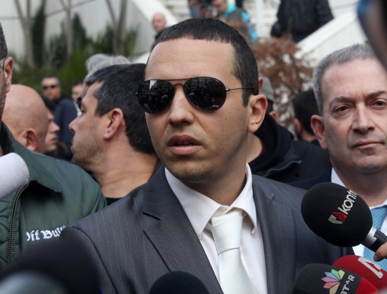 Απειλές από τον Κασιδιάρη καταγγέλλει ο δήμαρχος Ελευσίνας | Newsit.gr